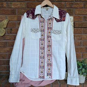 BKE Embroidered Western Top